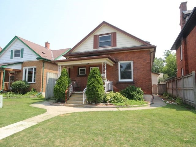 Detached at 142 Oxford St, Woodstock, Ontario. Image 1