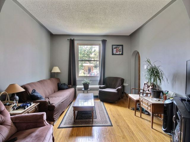 Detached at 142 Oxford St, Woodstock, Ontario. Image 14