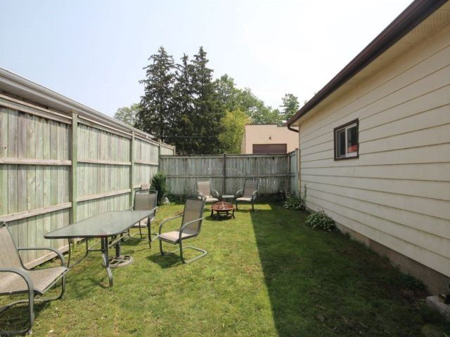 Detached at 142 Oxford St, Woodstock, Ontario. Image 13