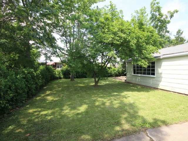 Detached at 61 Whyte N. Ave, Thorold, Ontario. Image 18