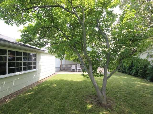 Detached at 61 Whyte N. Ave, Thorold, Ontario. Image 11