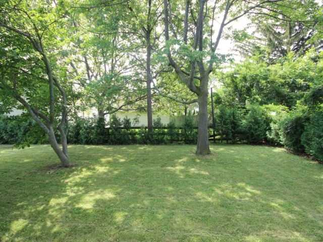 Detached at 61 Whyte N. Ave, Thorold, Ontario. Image 13