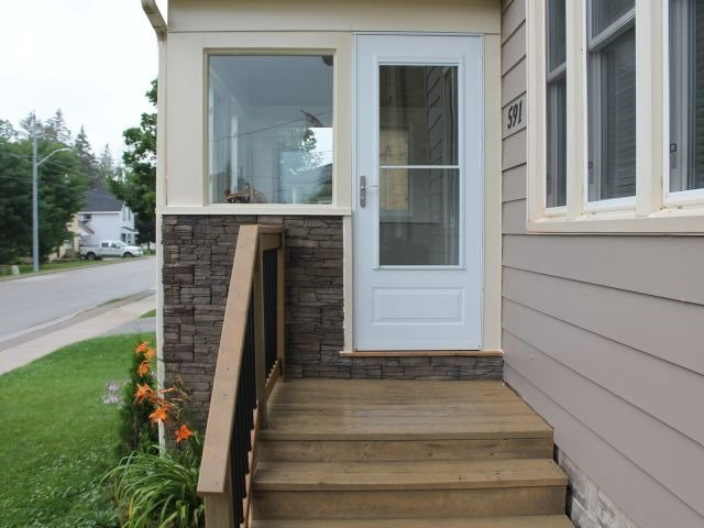 Detached at 591 11th Ave, Hanover, Ontario. Image 3