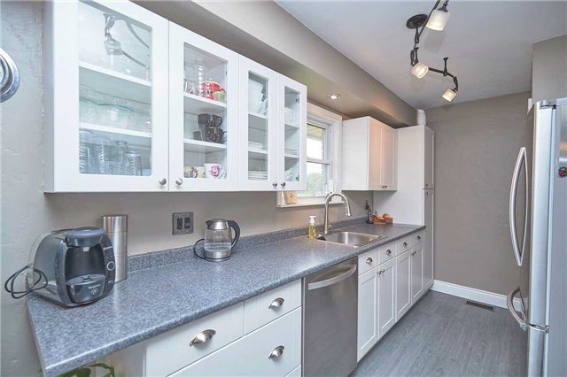 Detached at 2352 Smithville Rd, West Lincoln, Ontario. Image 12