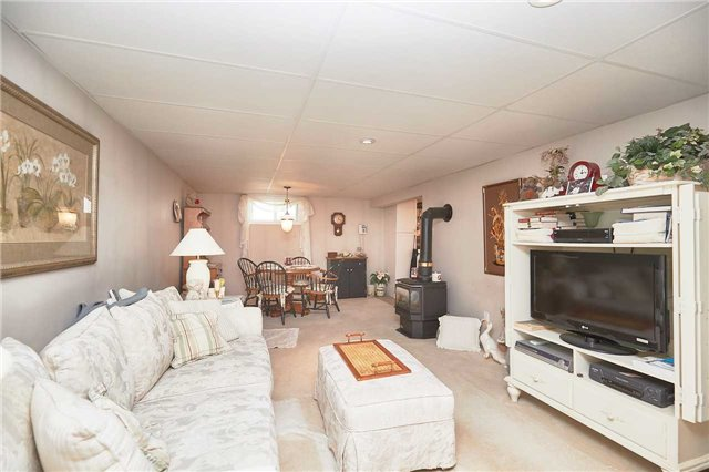 Detached at 2352 Smithville Rd, West Lincoln, Ontario. Image 4