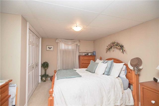 Detached at 2352 Smithville Rd, West Lincoln, Ontario. Image 6