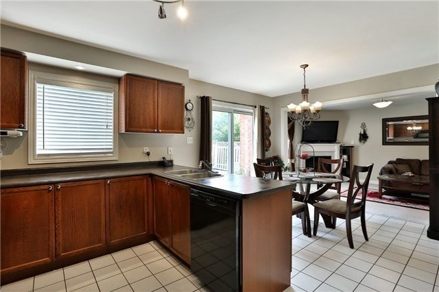 Detached at 110 Hollybush Dr, Hamilton, Ontario. Image 18