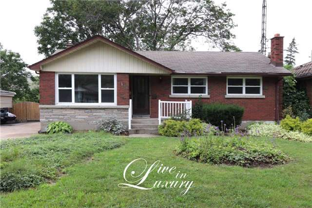 Detached at 37 Glengarry Rd, St. Catharines, Ontario. Image 1