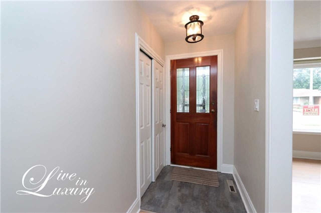 Detached at 37 Glengarry Rd, St. Catharines, Ontario. Image 12