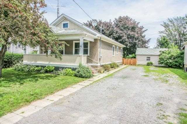 Detached at 216 Vine St, St. Catharines, Ontario. Image 7