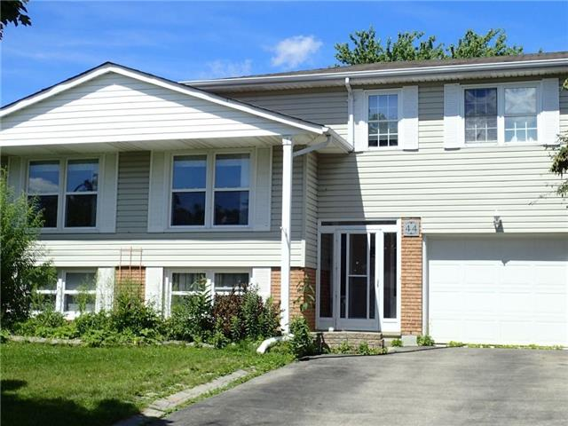 Detached at 44 Roseneath Cres, Kitchener, Ontario. Image 1