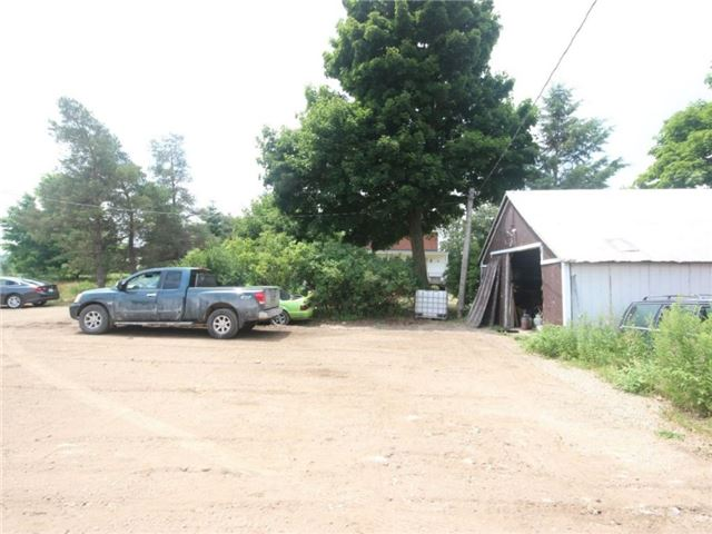 Detached at 372 Crawley Rd, Guelph, Ontario. Image 6