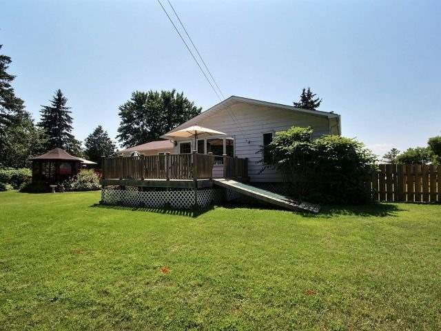 Detached at 3277 Warner Way, Ottawa, Ontario. Image 10