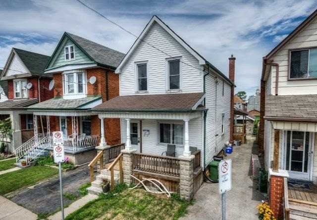Detached at 27 Rosemont Ave, Hamilton, Ontario. Image 12