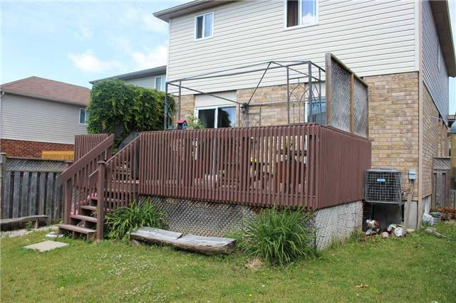 Detached at 9 Warren St, Guelph, Ontario. Image 5