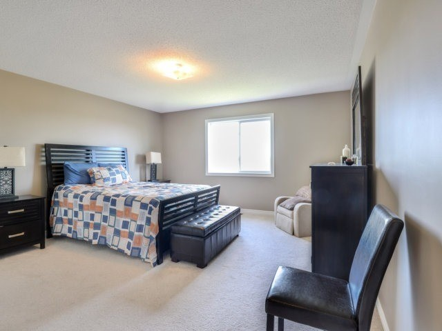 Detached at 944 O'reilly Cres, Shelburne, Ontario. Image 7