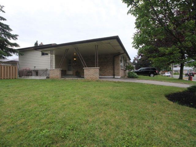 Detached at 3 Glebe Crt, Hamilton, Ontario. Image 9