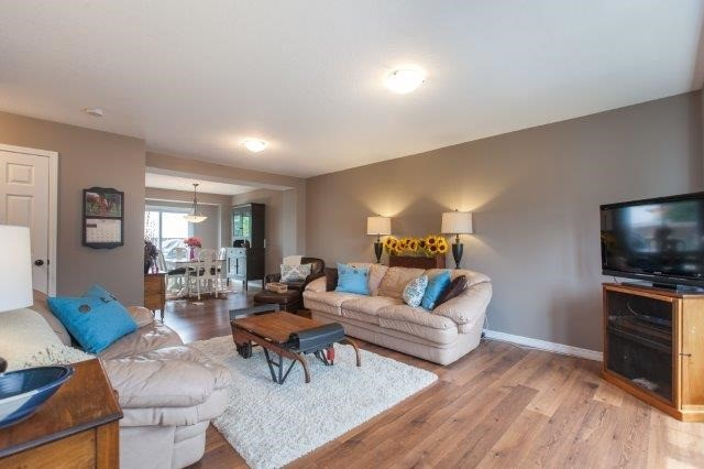 Condo With Common Elements at 355 Fisher Mills Rd, Unit 49, Cambridge, Ontario. Image 10