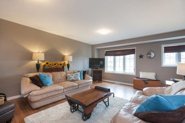 Condo With Common Elements at 355 Fisher Mills Rd, Unit 49, Cambridge, Ontario. Image 11