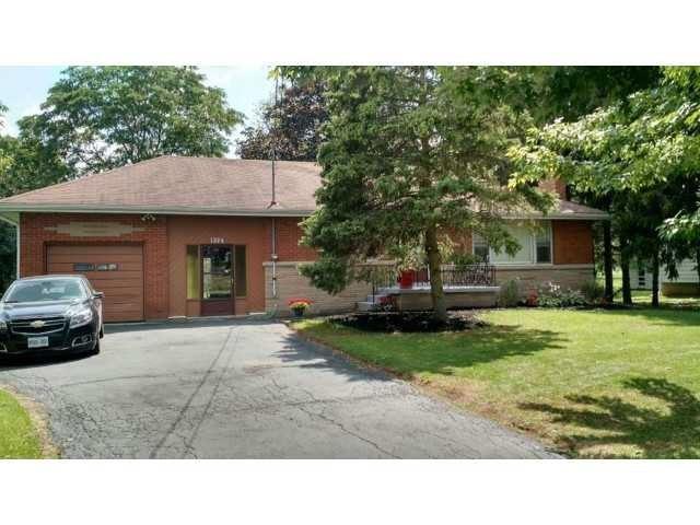 Detached at 1374 Barton St, Hamilton, Ontario. Image 1
