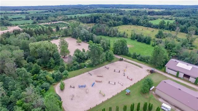 Farm at 840 Valens Rd, Hamilton, Ontario. Image 12