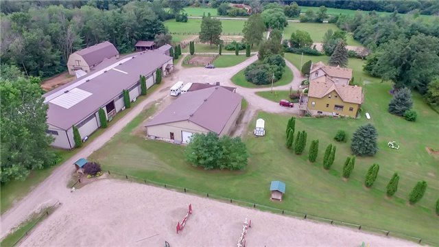 Farm at 840 Valens Rd, Hamilton, Ontario. Image 14