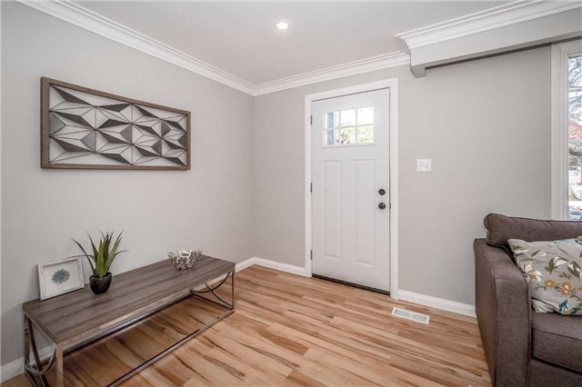Detached at 86 Stevenson St N, Guelph, Ontario. Image 11