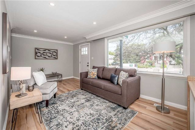 Detached at 86 Stevenson St N, Guelph, Ontario. Image 12