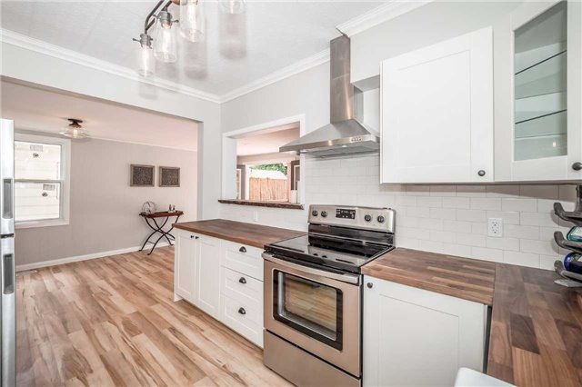 Detached at 86 Stevenson St N, Guelph, Ontario. Image 15