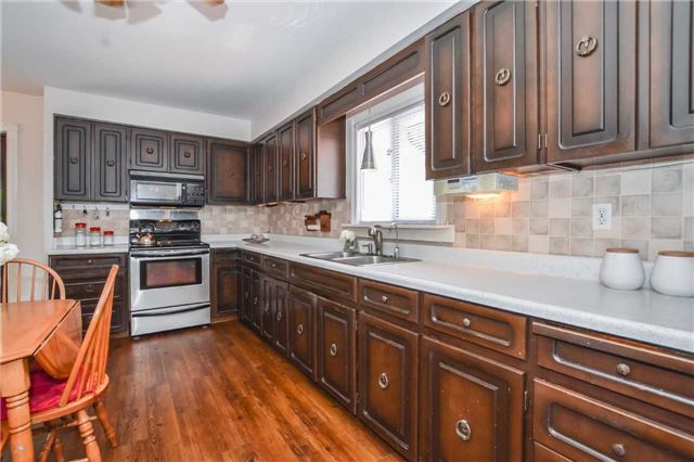 Detached at 5782 Second Line E, Guelph/Eramosa, Ontario. Image 12