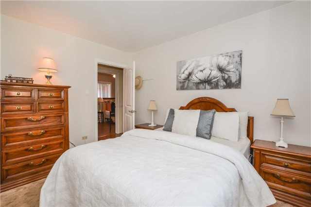 Detached at 5782 Second Line E, Guelph/Eramosa, Ontario. Image 14