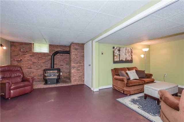 Detached at 5782 Second Line E, Guelph/Eramosa, Ontario. Image 2