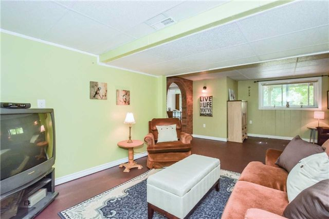 Detached at 5782 Second Line E, Guelph/Eramosa, Ontario. Image 3