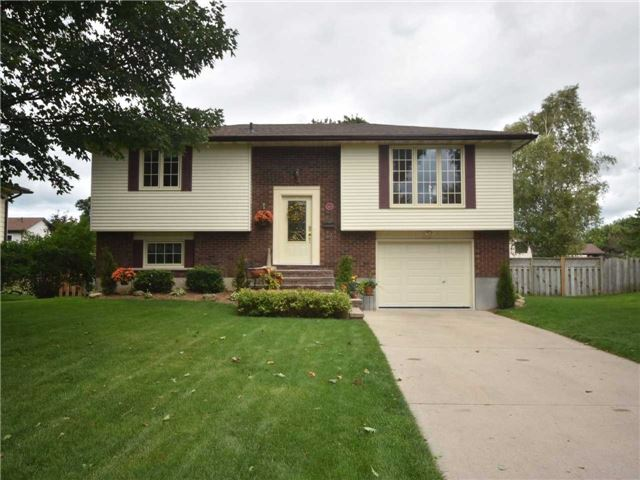 Detached at 357 Falconer St, Saugeen Shores, Ontario. Image 1