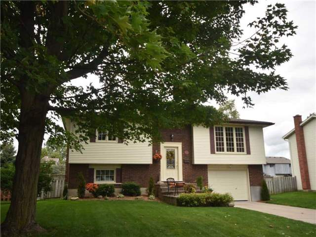 Detached at 357 Falconer St, Saugeen Shores, Ontario. Image 10