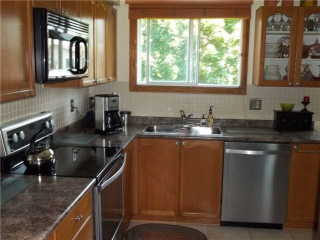 Detached at 357 Falconer St, Saugeen Shores, Ontario. Image 13