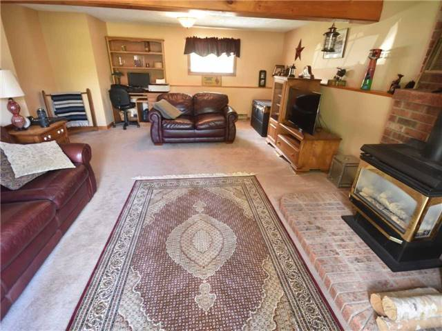 Detached at 357 Falconer St, Saugeen Shores, Ontario. Image 4