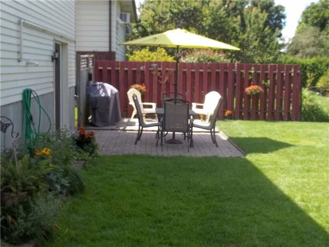 Detached at 357 Falconer St, Saugeen Shores, Ontario. Image 5