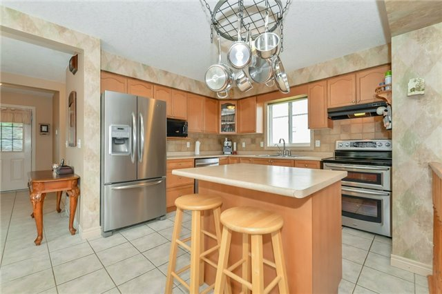 Detached at 3 Fleming Rd, Guelph, Ontario. Image 15