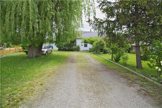 Detached at 194 First Rd W, Hamilton, Ontario. Image 11