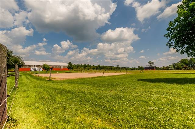 Farm at 6686 Gore Rd, Puslinch, Ontario. Image 14