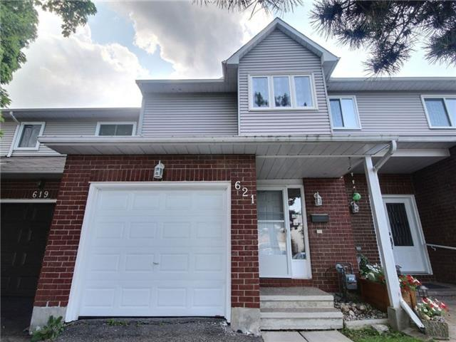 Townhouse at 621 Deancourt Cres, Ottawa, Ontario. Image 12