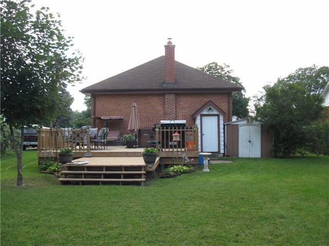 Detached at 530 Cameron St, Peterborough, Ontario. Image 12