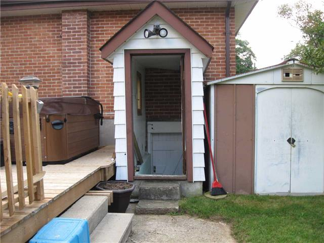 Detached at 530 Cameron St, Peterborough, Ontario. Image 14