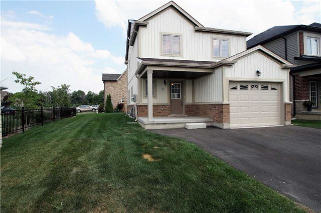 Condo With Common Elements at 77 Avery Cres, Unit 1, St. Catharines, Ontario. Image 1