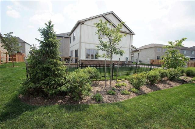 Condo With Common Elements at 77 Avery Cres, Unit 1, St. Catharines, Ontario. Image 12