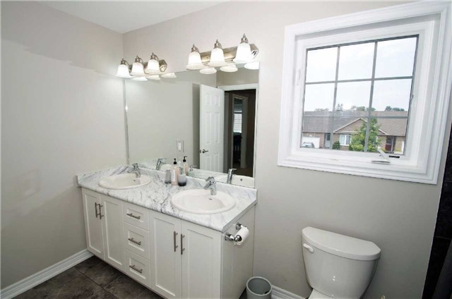 Condo With Common Elements at 77 Avery Cres, Unit 1, St. Catharines, Ontario. Image 2