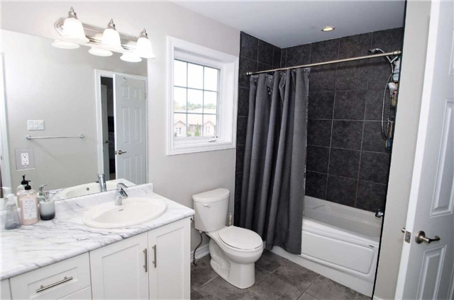 Condo With Common Elements at 77 Avery Cres, Unit 1, St. Catharines, Ontario. Image 3