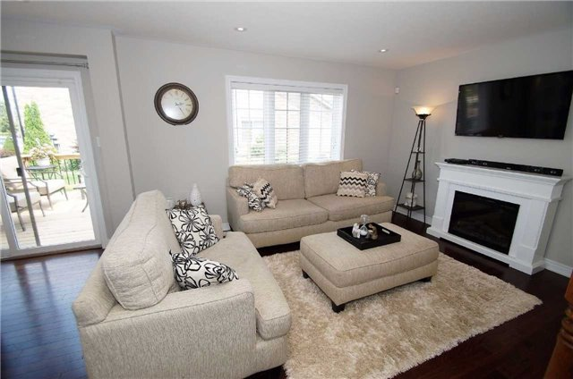 Condo With Common Elements at 77 Avery Cres, Unit 1, St. Catharines, Ontario. Image 6