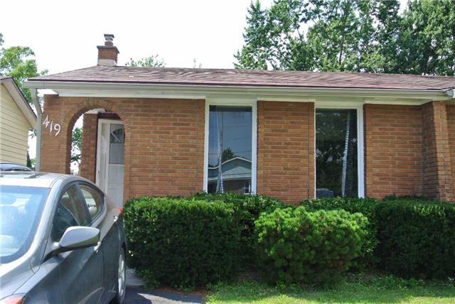 Semi-detached at 419 First Ave N, Welland, Ontario. Image 1